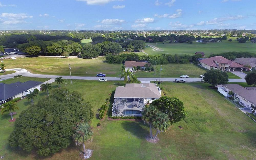 1562 NW 28th Ave, Cape Coral - House For Sale 2086324464
