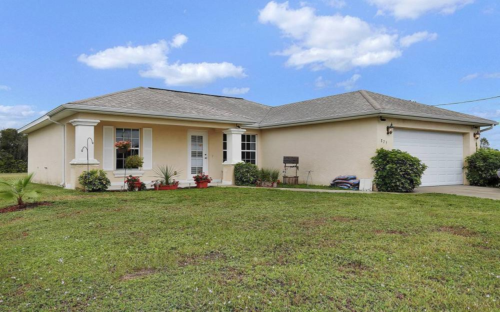 825 NE 44th St, Cape Coral - House For Sale 910284833