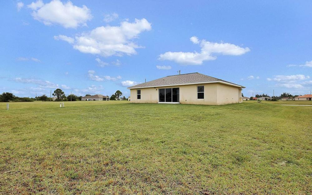 825 NE 44th St, Cape Coral - House For Sale 1141528100