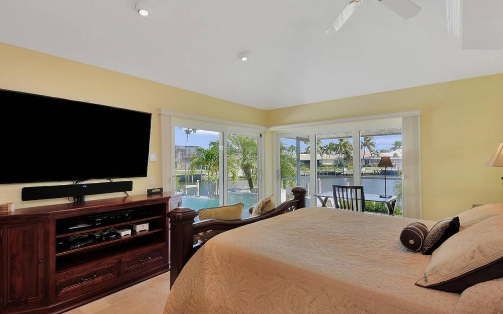 1074 Whiteheart Ct, Marco Island - House For Sale 2008559177
