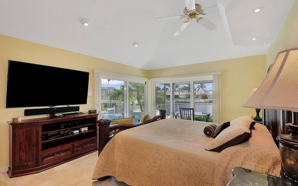 1074 Whiteheart Ct, Marco Island - House For Sale 2097303143