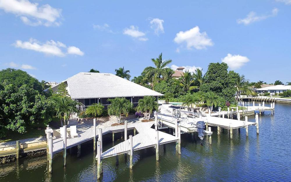 1074 Whiteheart Ct, Marco Island - House For Sale 712772340