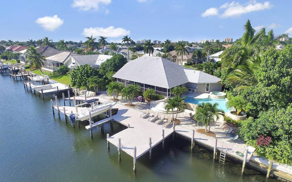 1074 Whiteheart Ct, Marco Island - House For Sale 38380140
