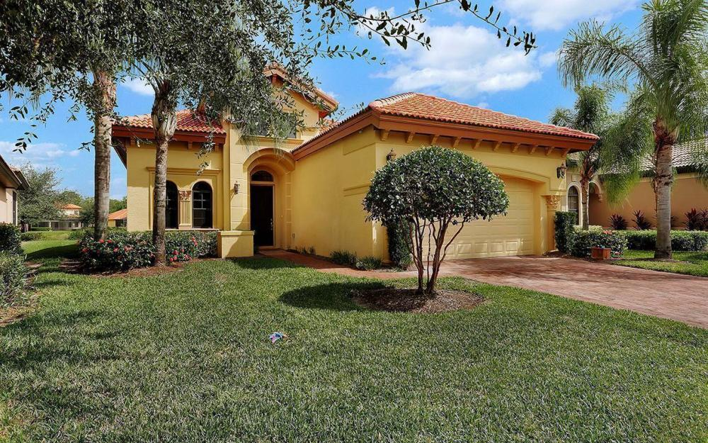 8336 Provencia Cr, Ft.Myers - House For Sale 288835498