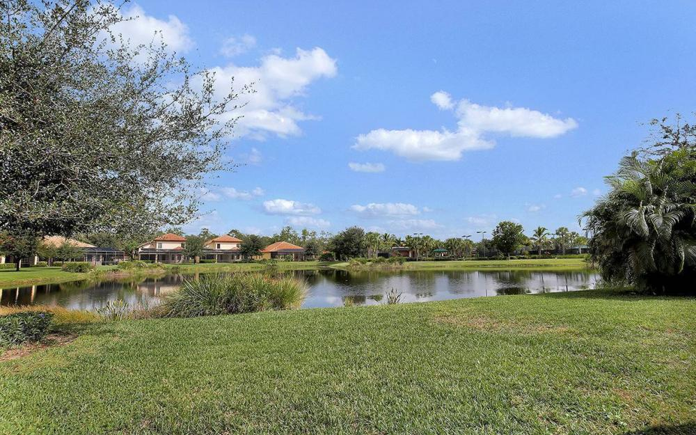 8336 Provencia Cr, Ft.Myers - House For Sale 204769745