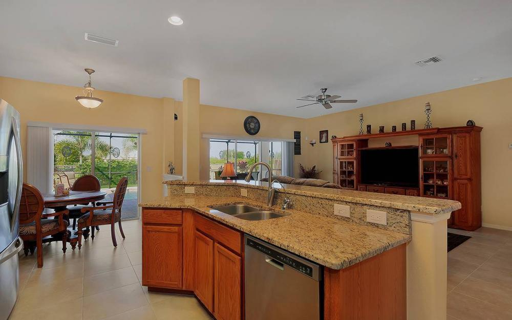 1136 NW 19th Pl, Cape Coral - House For Sale 403749771