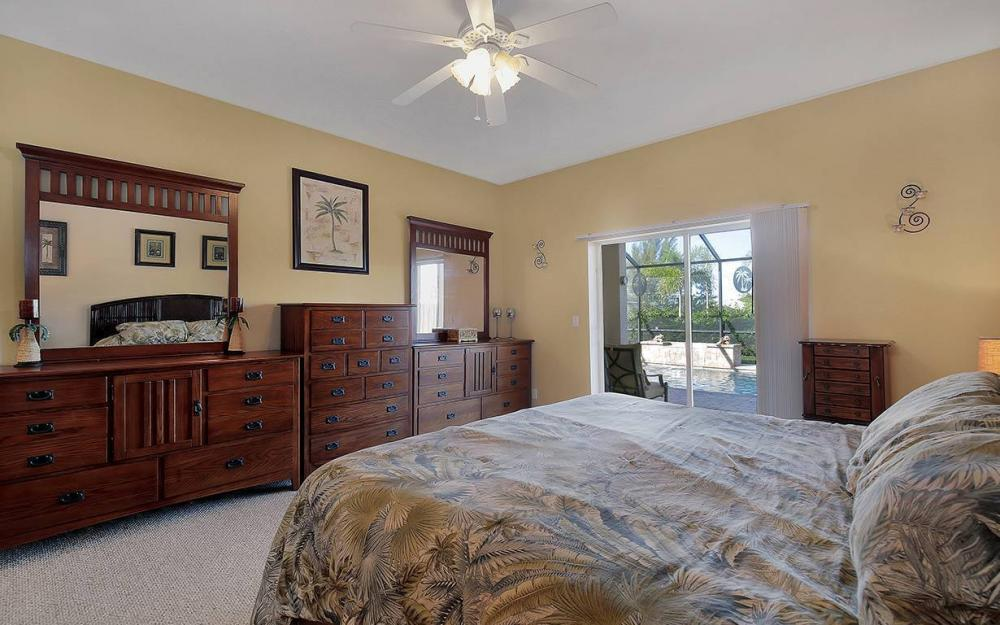 1136 NW 19th Pl, Cape Coral - House For Sale 74923852