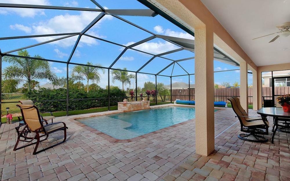 1136 NW 19th Pl, Cape Coral - House For Sale 1712924272