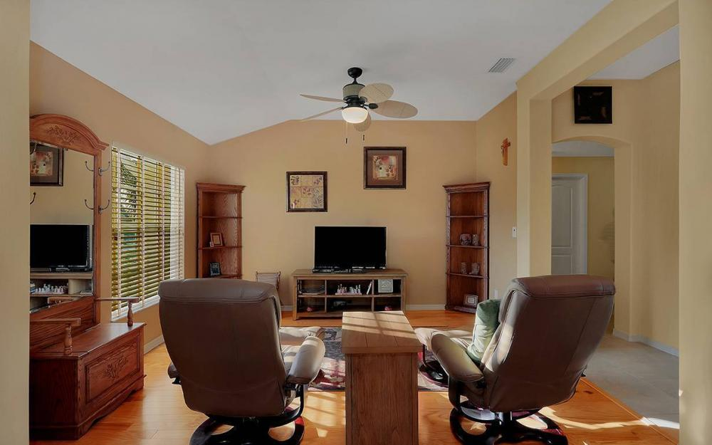 1136 NW 19th Pl, Cape Coral - House For Sale 1972062011