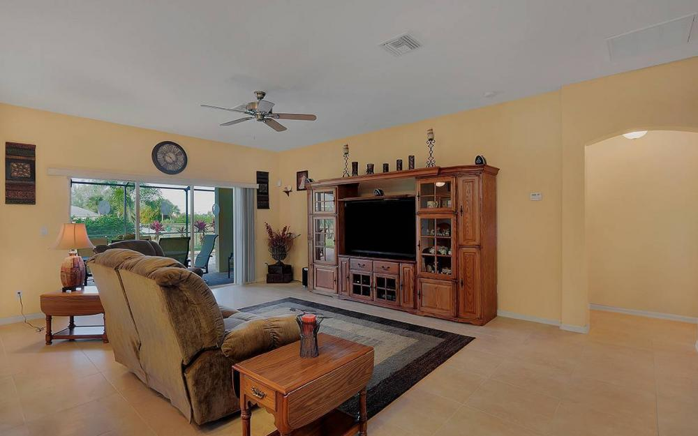 1136 NW 19th Pl, Cape Coral - House For Sale 485039690