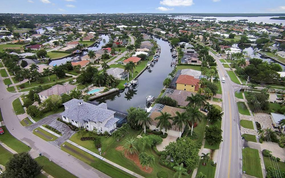 200 N Barfield Dr, Marco Island - House For Sale 775728539