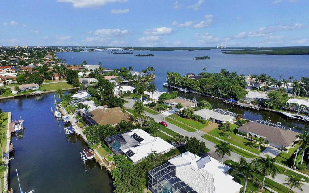 326 Rockhill Ct, Marco Island - House For Sale 724103561