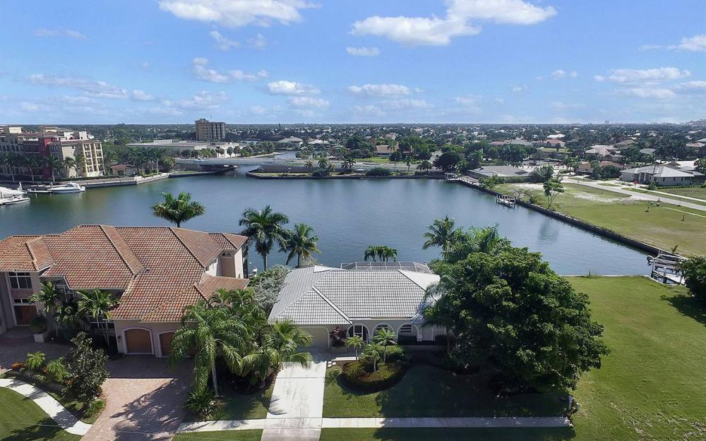 639 Century Ct, Marco Island - House For Sale 1273938078