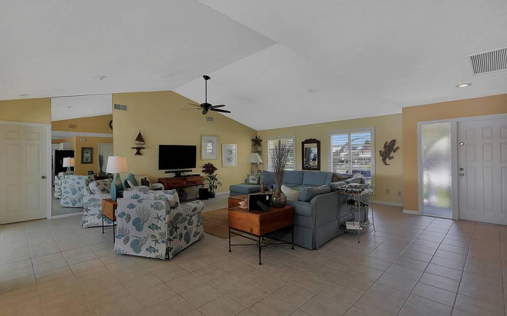 639 Century Ct, Marco Island - House For Sale 879905022