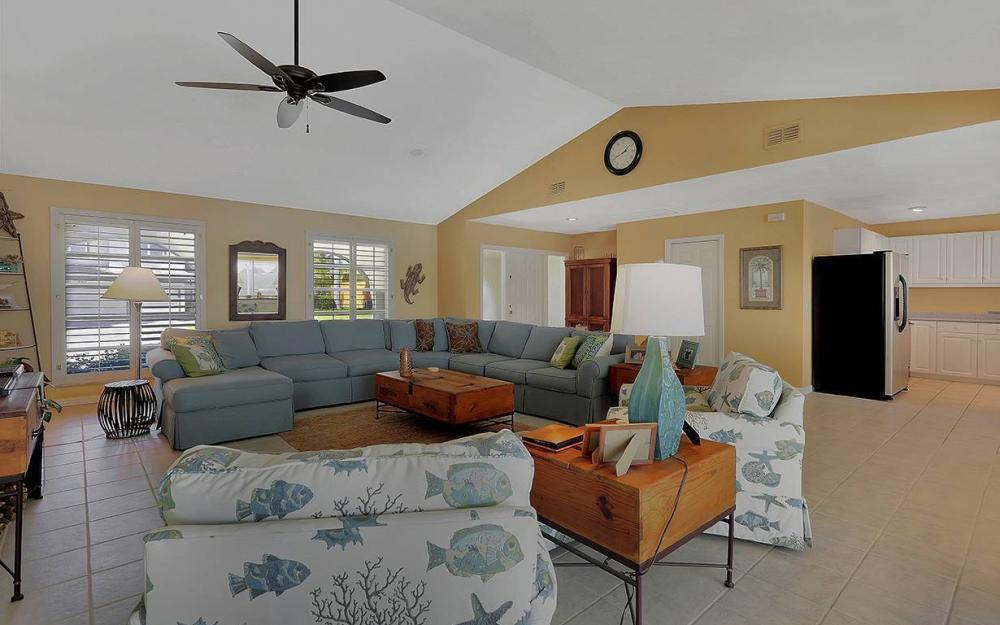 639 Century Ct, Marco Island - House For Sale 1568129585