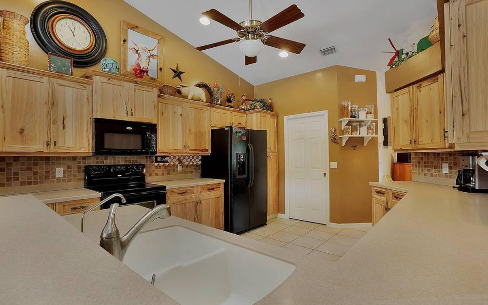 6880 Rich Rd, N. Ft.Myers - House For Sale 267527721