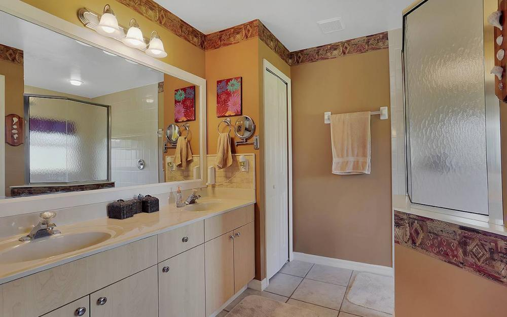 6880 Rich Rd, N. Ft.Myers - House For Sale 589147518