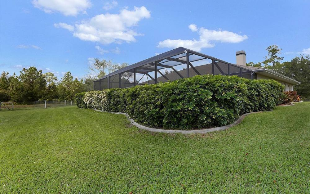 6880 Rich Rd, N. Ft.Myers - House For Sale 1154454915