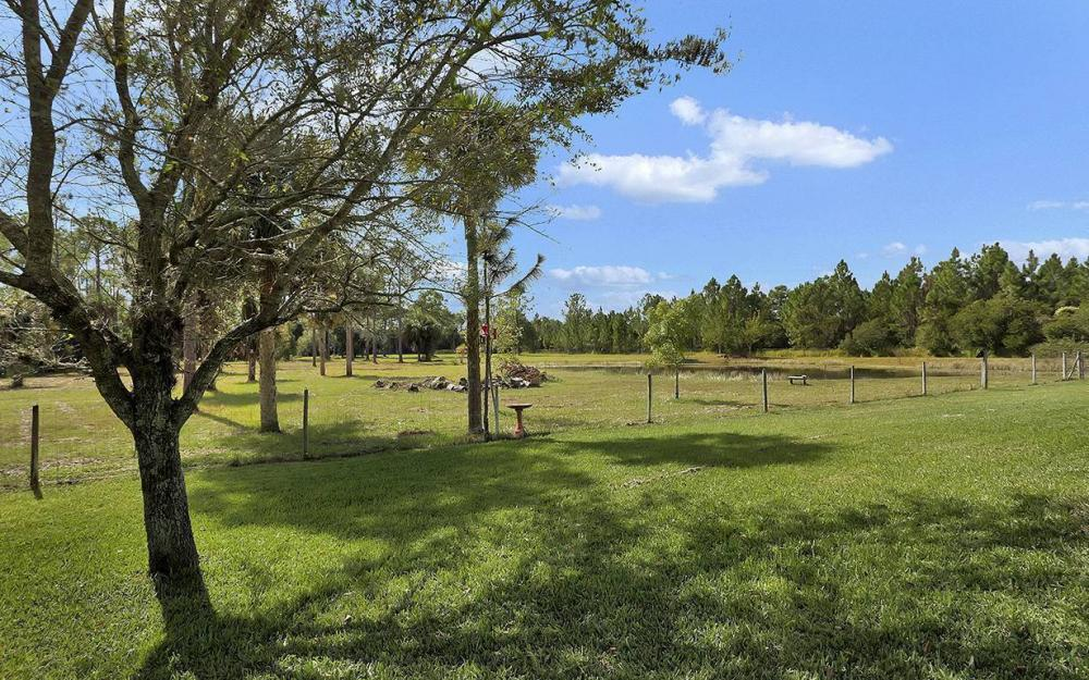 6880 Rich Rd, N. Ft.Myers - House For Sale 280979174