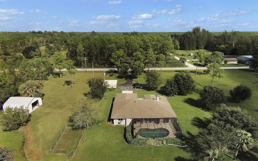 6880 Rich Rd, N. Ft.Myers - House For Sale 354204321
