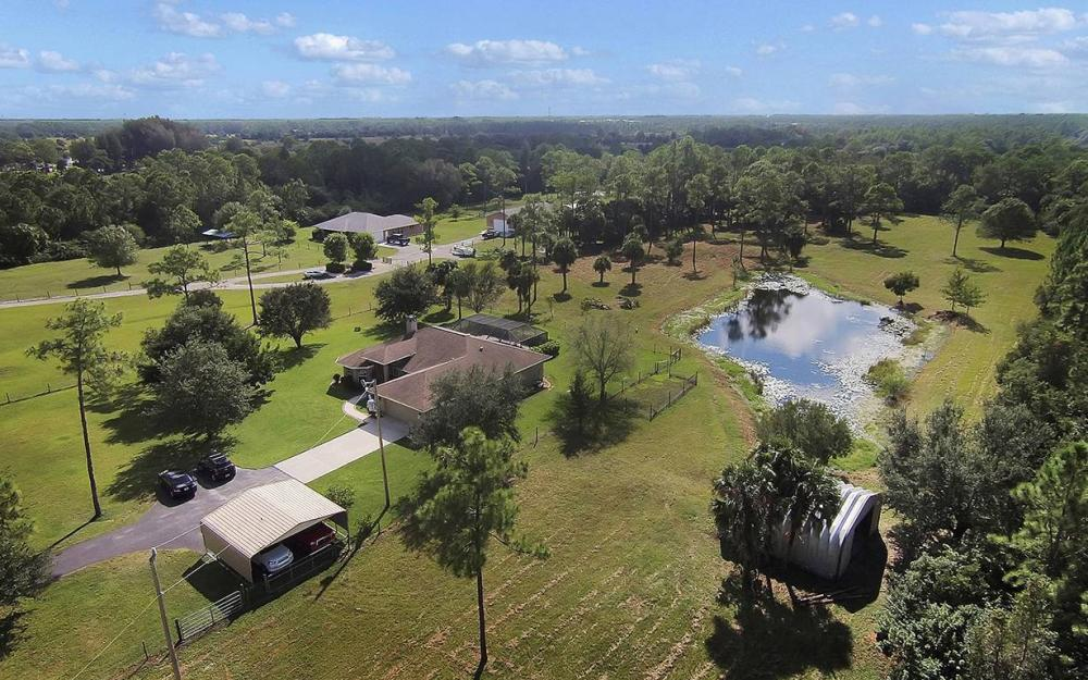 6880 Rich Rd, N. Ft.Myers - House For Sale 2025418028