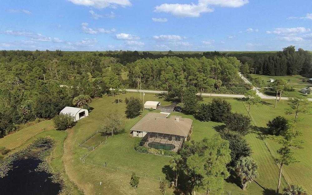 6880 Rich Rd, N. Ft.Myers - House For Sale 1610296820