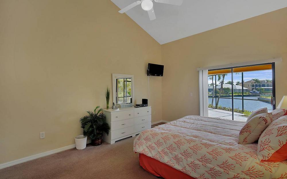 1887 Cascade Ct, Marco Island - House For Sale 1262441123