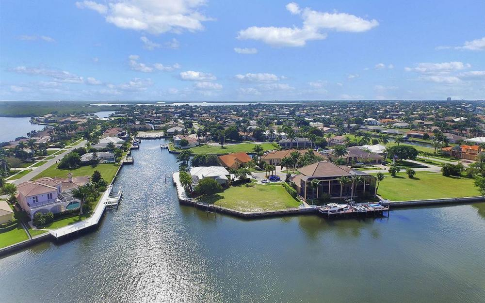 1887 Cascade Ct, Marco Island - House For Sale 1733441687