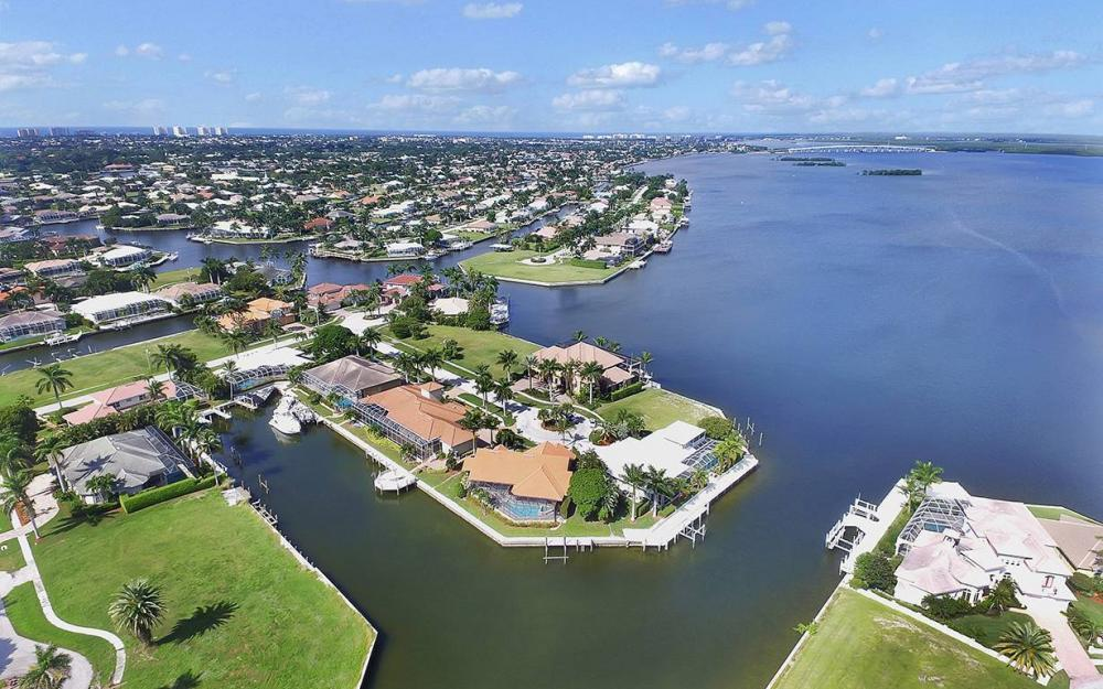 1887 Cascade Ct, Marco Island - House For Sale 1927845130