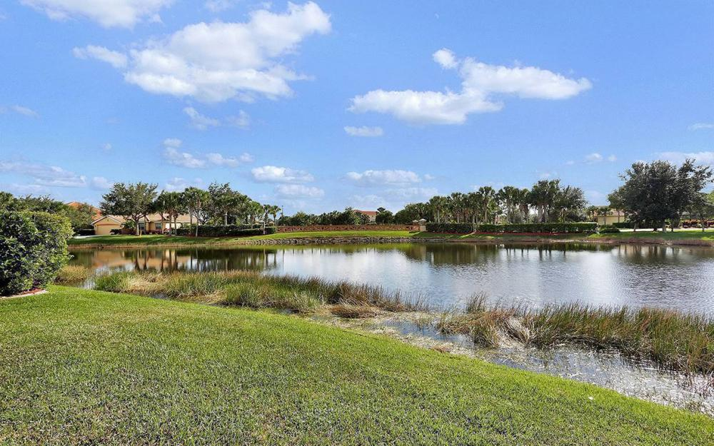 12820 Bay Timber Ct, Ft Myers - House For Sale 245179703