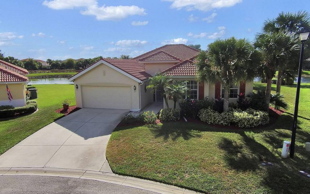 12820 Bay Timber Ct, Ft Myers - House For Sale 1184758731