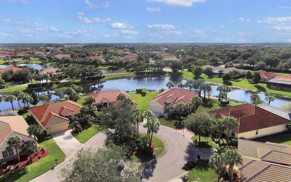 12820 Bay Timber Ct, Ft Myers - House For Sale 1778554885
