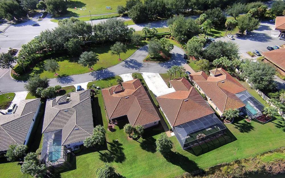12820 Bay Timber Ct, Ft Myers - House For Sale 1760111227