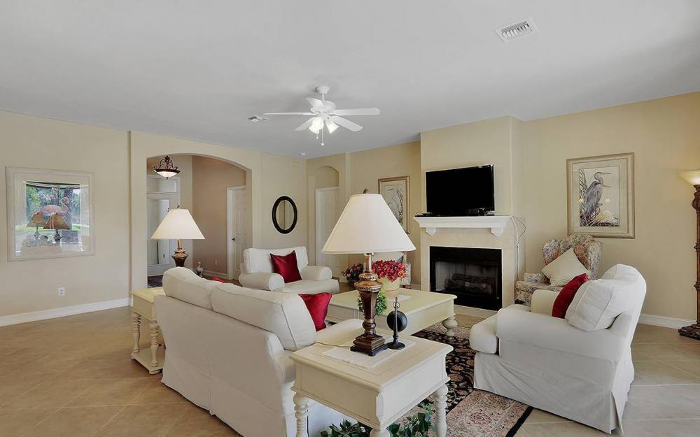 12820 Bay Timber Ct, Ft Myers - House For Sale 1740881659