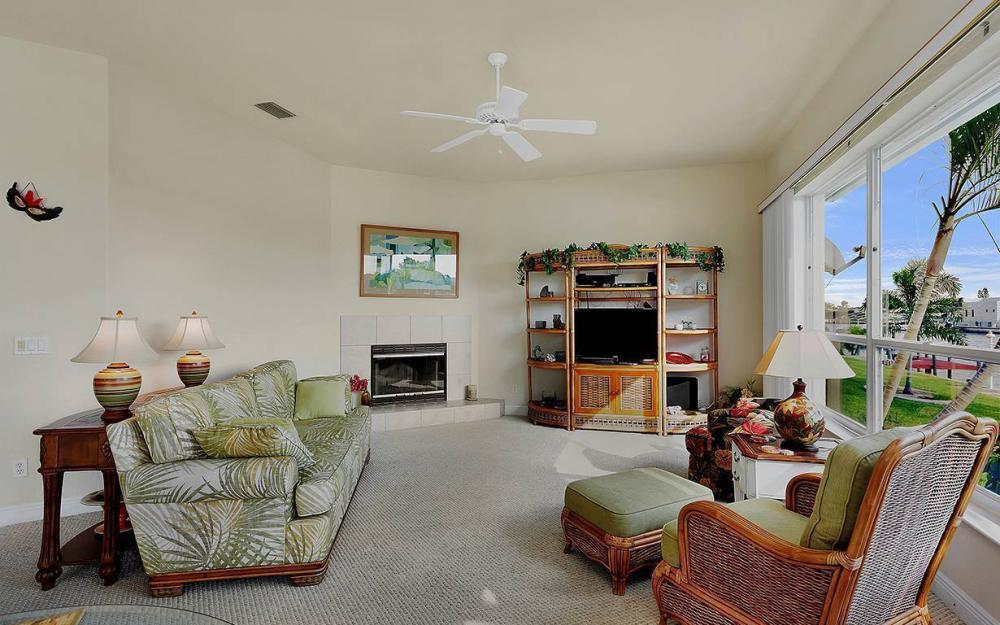 912 SE 20th St, Cape Coral -House For Sale 205786557