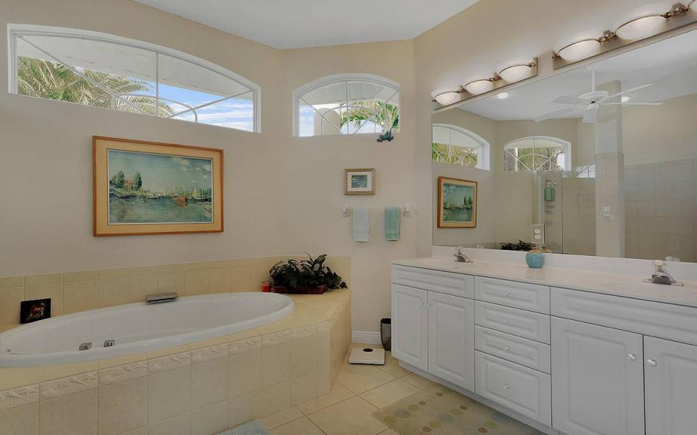 912 SE 20th St, Cape Coral -House For Sale 647745990