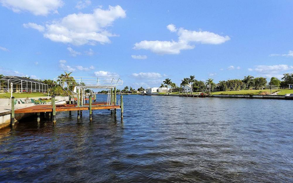 912 SE 20th St, Cape Coral -House For Sale 497854090