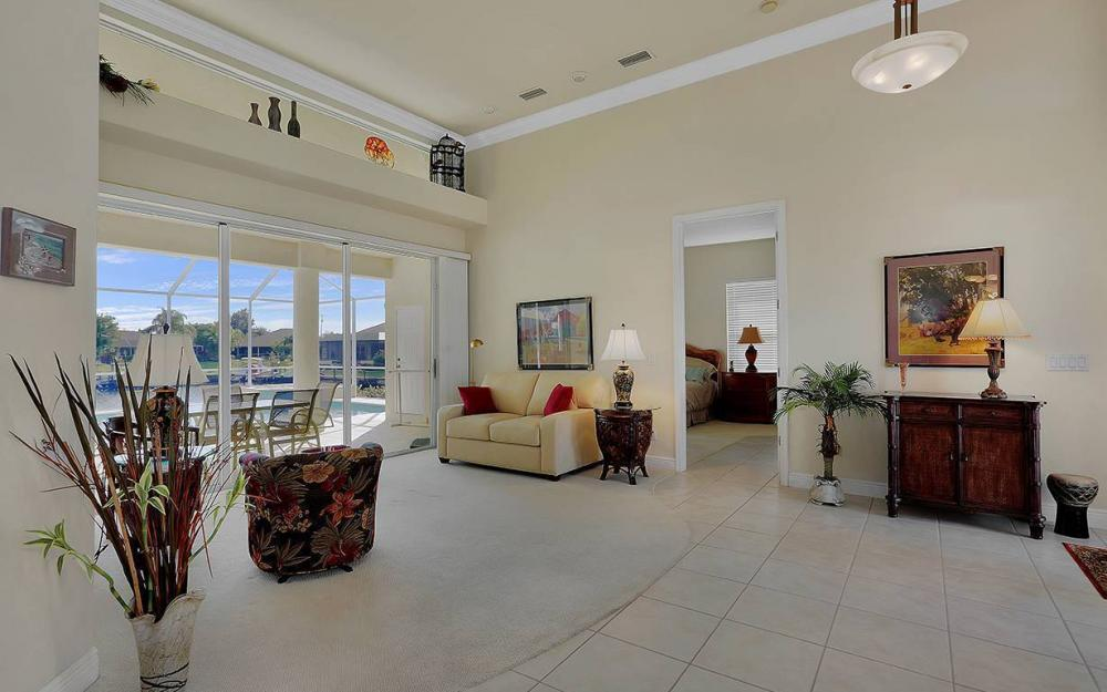 912 SE 20th St, Cape Coral -House For Sale 81195578