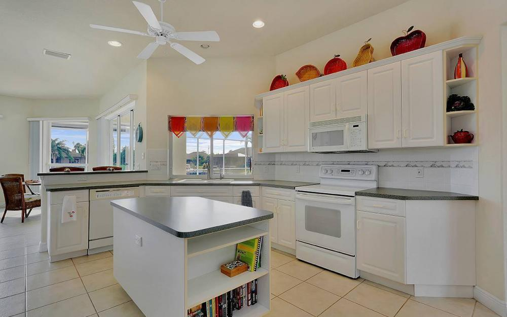 912 SE 20th St, Cape Coral -House For Sale 1894799027