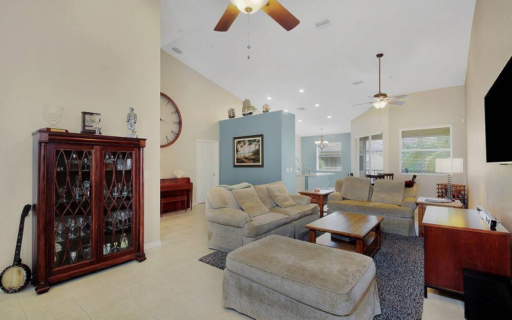 13971 Lake Mahogany Blvd #2622, Fort Myers - Condo For Sale 996434456