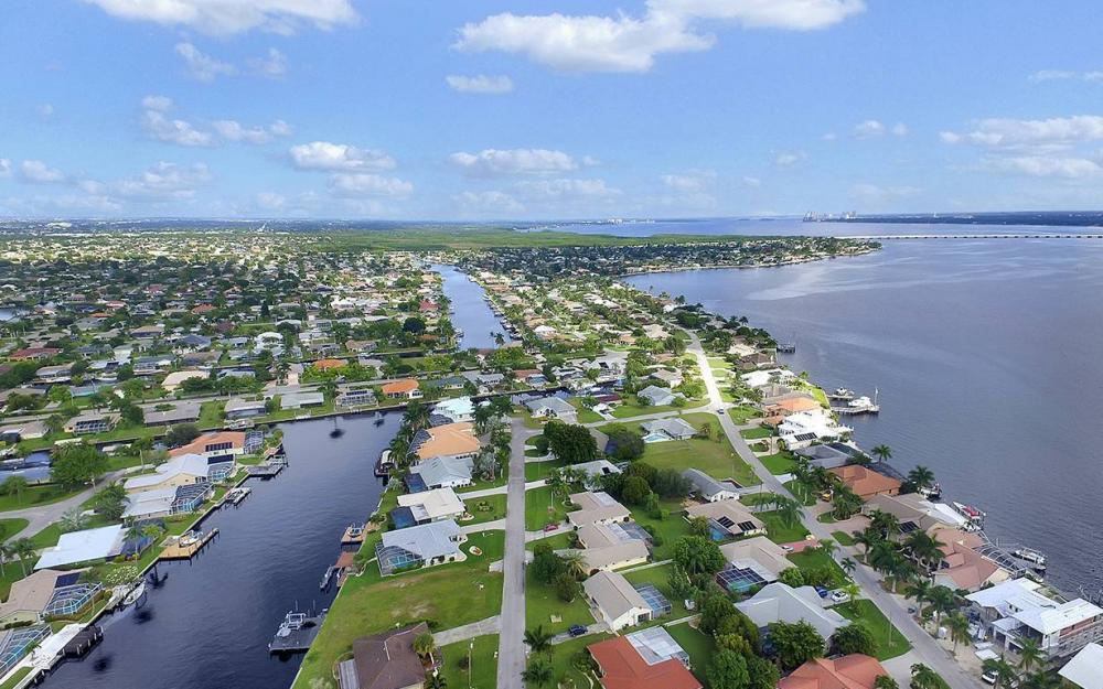 2108 Cornwallis Pkwy, Cape Coral- House For Sale 398248982