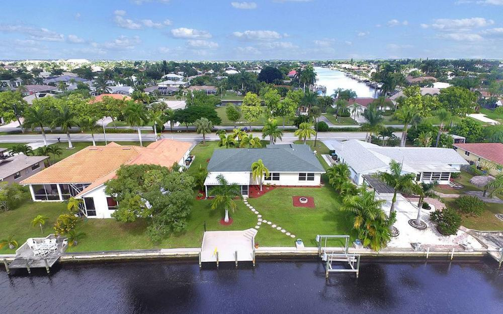 2108 Cornwallis Pkwy, Cape Coral- House For Sale 1861066244