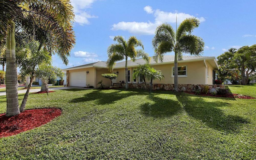 2108 Cornwallis Pkwy, Cape Coral- House For Sale 284349440