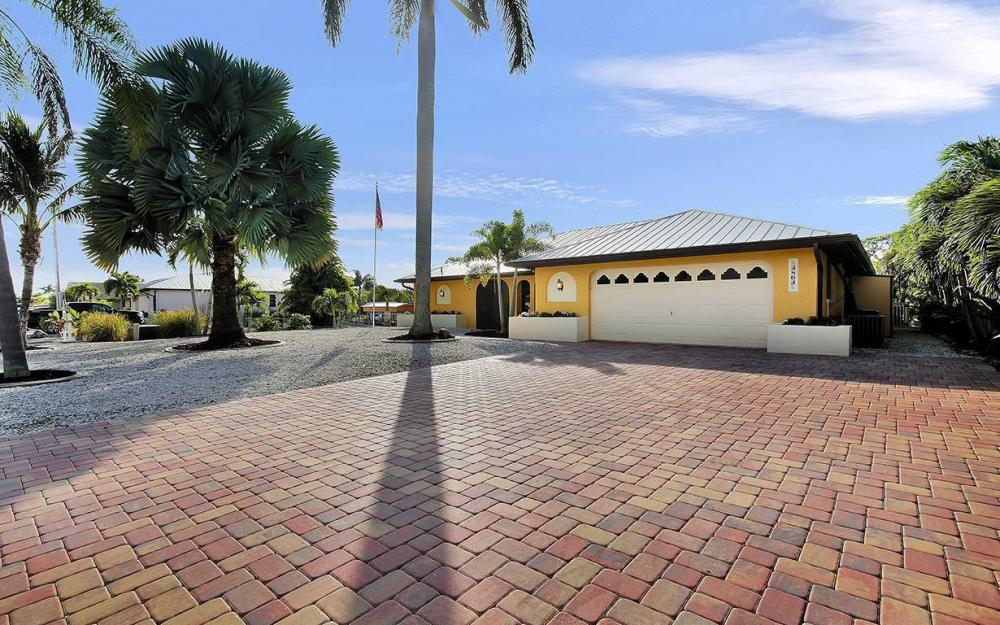 3863 Manatee Dr, St James City - House For Sale 718915892