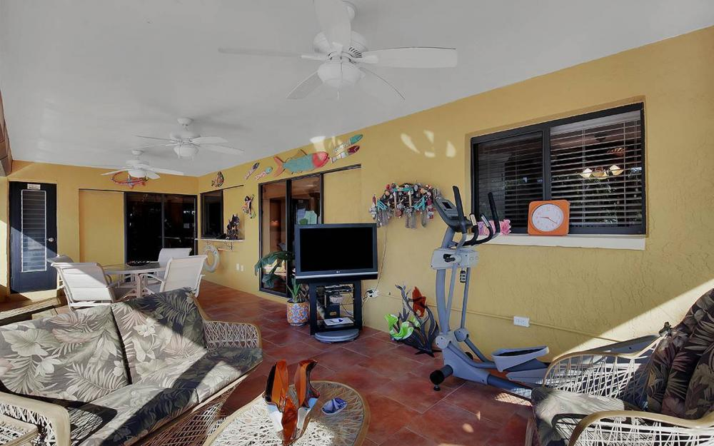 3863 Manatee Dr, St James City - House For Sale 319787281