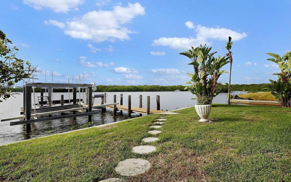 27693 Bay Point Ln, Bonita Springs - House For Sale 635156774
