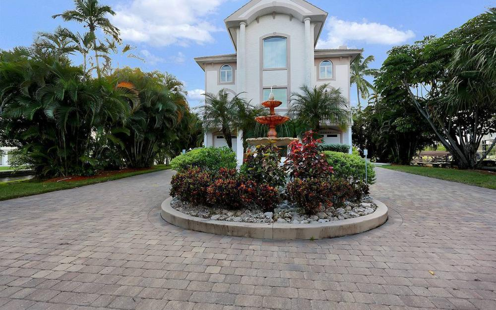 27693 Bay Point Ln, Bonita Springs - House For Sale 332375897
