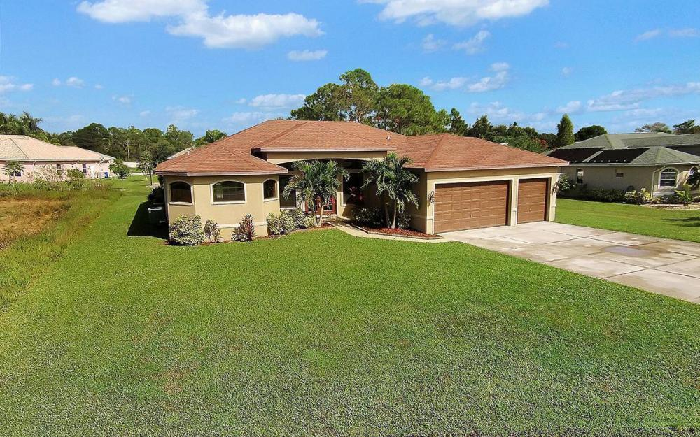 6721 Matt Pledger Ct, North Fort Myers -House For Sale 560322240