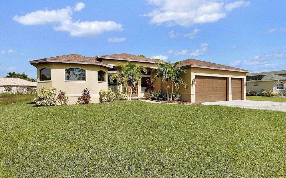 6721 Matt Pledger Ct, North Fort Myers -House For Sale 893636651
