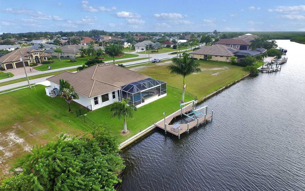 3804 Surfside Blvd, Cape Coral - House For Sale 346486183
